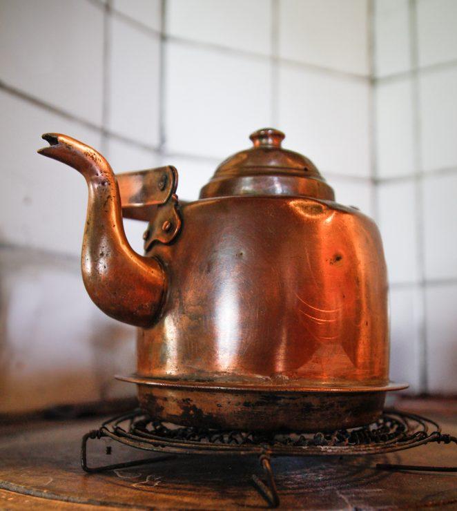 Kuparinen kahvipannu on isovanhempieni häälaja 1930-luvulta.